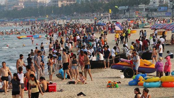 Khách du lịch đến Đà Nẵng, Hội An, Nha Trang tăng đột biến