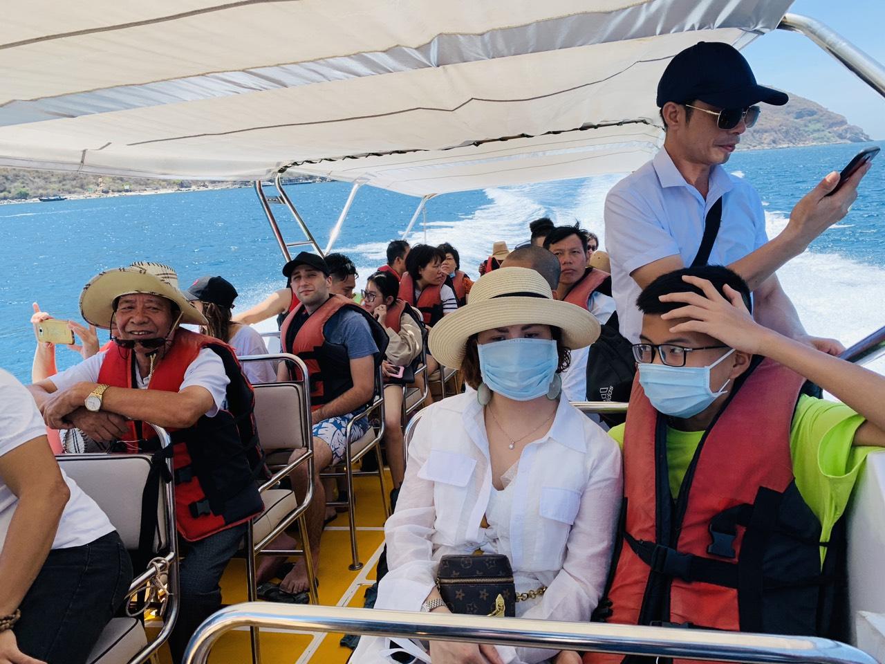 Tuyệt đối không được tổ chức các tour du lịch trong khi bão đổ bộ
